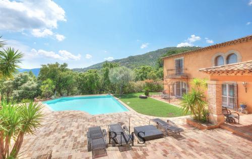 Villa de luxe à vendre PLAN DE LA TOUR, 195 m², 3 Chambres, 1190000€