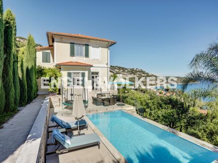 Villa de luxe à vendre ROQUEBRUNE CAP MARTIN, 188 m², 4 Chambres, 3392000€