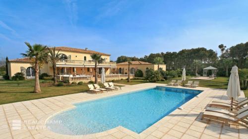 Luxus-Villa zu vermieten SAINT TROPEZ, 500 m², 6 Schlafzimmer