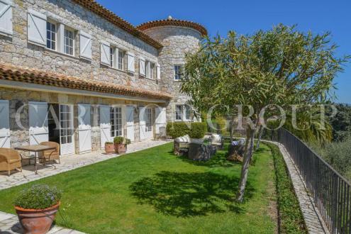 Maison de luxe à louer VENCE, 670 m², 5 Chambres,