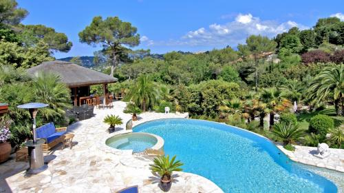 Luxury Villa for sale MOUGINS, 393 m², 6 Bedrooms, € 2 900 000