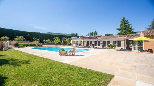 Villa de luxe à vendre PLAN DE LA TOUR, 175 m², 3 Chambres, 830000€