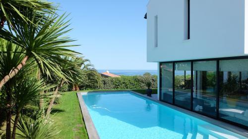 Maison de luxe à louer SAINT JEAN DE LUZ, 220 m²,