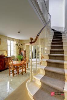 Дом класса люкс на продажу  Бордо, 180 м², 5 Спальни, 797720€