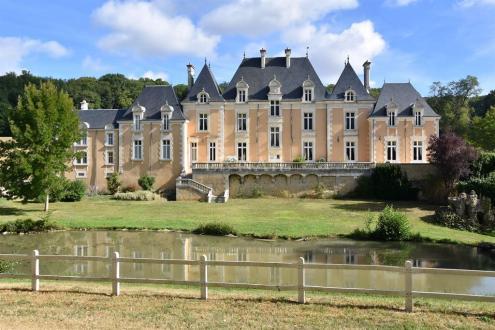 Château / Manoir de luxe à vendre POITIERS, 600 m², 12 Chambres, 5250000€