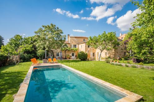 Дом класса люкс на продажу  Руссийон, 385 м², 7 Спальни, 1445000€