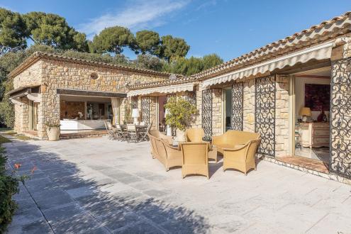 Villa de luxe à vendre CAP D'ANTIBES, 420 m², 5 Chambres, 6450000€