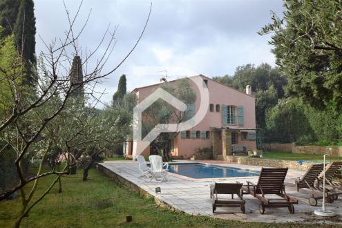 Luxus-Haus zu verkaufen SANARY SUR MER, 180 m², 5 Schlafzimmer, 995000€
