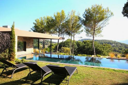Luxury House for rent MOUGINS, 330 m², 5 Bedrooms,