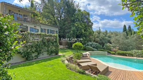 Luxury House for rent MOUGINS, 300 m², 5 Bedrooms,