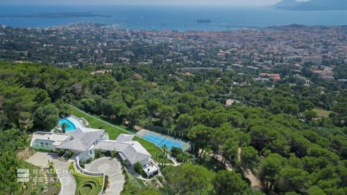 Luxe Huis te huur CANNES, 2300 m², 15 Slaapkamers,