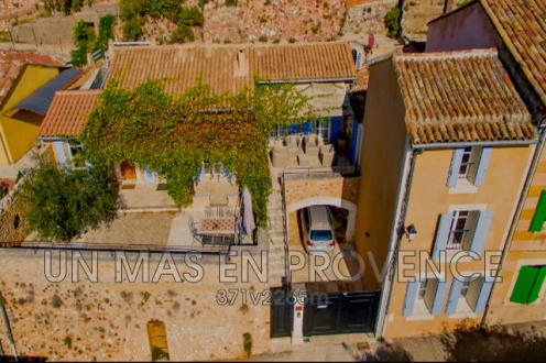 Luxury Villa for sale ROUSSILLON, 160 m², 3 Bedrooms, € 692 000