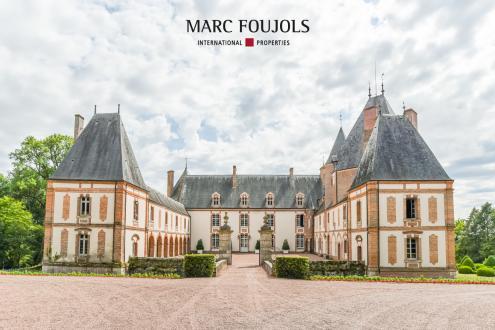 Château / Manoir de luxe à vendre GIEN, 2000 m², 3950000€