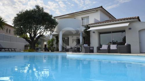 Villa de luxe à vendre PERPIGNAN, 190 m², 5 Chambres, 749000€
