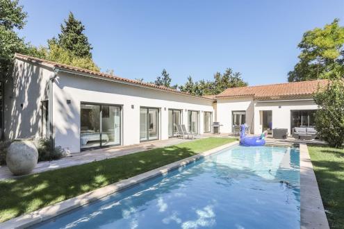 Maison de luxe à vendre SAINT REMY DE PROVENCE, 226 m², 4 Chambres, 995000€