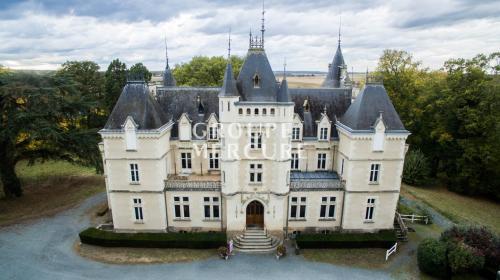 Château / Manoir de luxe à vendre CHATEAUROUX, 1200 m², 14 Chambres, 851000€