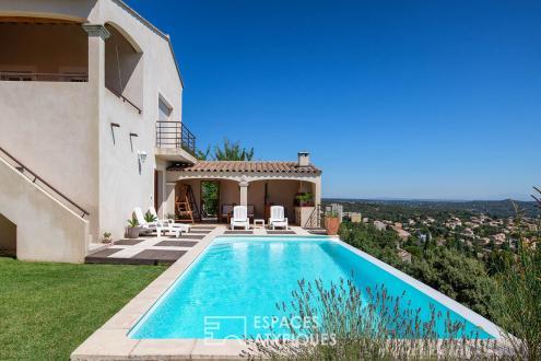 Maison de luxe à vendre VILLENEUVE LES AVIGNON, 180 m², 4 Chambres, 640000€
