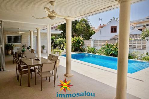 Luxus-Villa zu verkaufen Spanien, 834 m², 1500000€