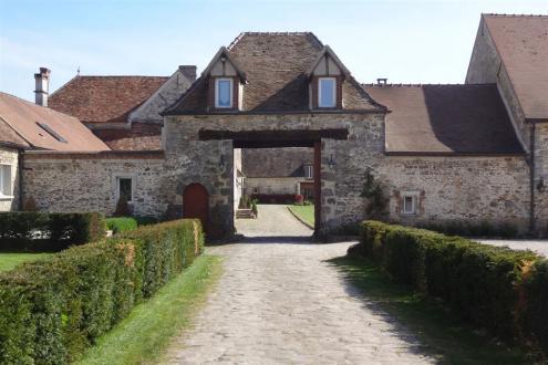 Luxus-Liegenschaft zu verkaufen FONTAINEBLEAU, 3000 m², 35 Schlafzimmer, 3850000€