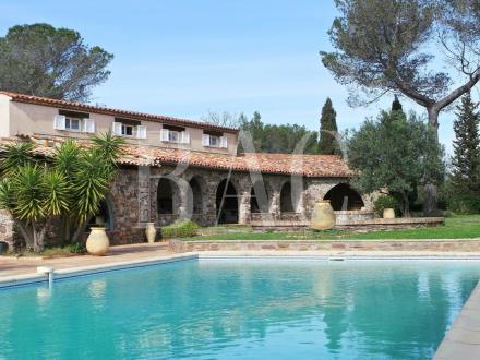 Casa di lusso in vendita FREJUS, 500 m², 7 Camere, 2300000€