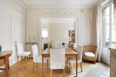 Appartement de luxe à vendre PARIS 7E, 123 m², 3 Chambres, 1950000€