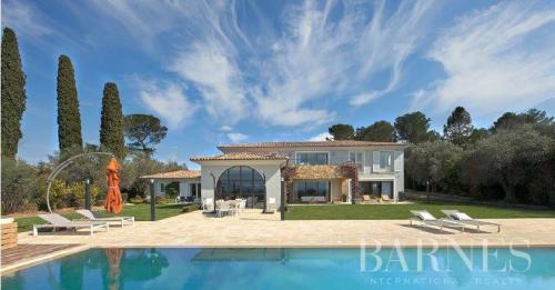 Casa di lusso in vendita MOUGINS, 400 m², 5 Camere, 4960000€