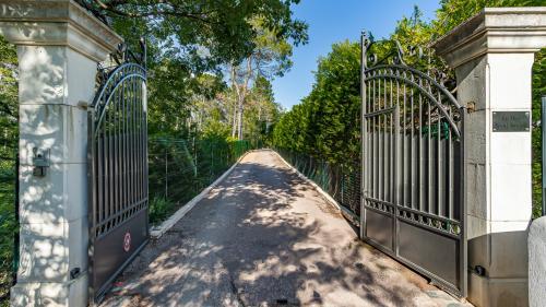 Bastide de luxe à vendre TOURRETTES, 256 m², 6 Chambres, 1440000€