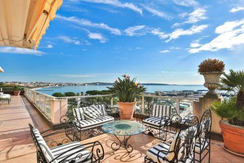 Квартира класса люкс на продажу  Ле-Жольф-Жуан, 306 м², 5 Спальни, 3900000€