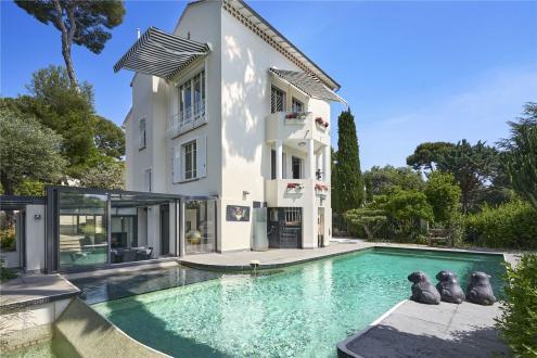 Maison de luxe à louer CAP D'ANTIBES, 260 m², 4 Chambres,
