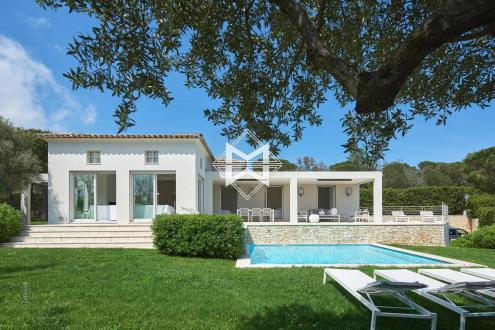 Вилла класса люкс на продажу  Раматуель, 250 м², 6 Спальни, 6990000€