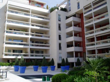 Luxury Apartment for rent MARSEILLE, 57 m², 2 Bedrooms, €868/month