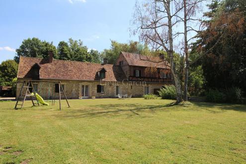 Casa di lusso in vendita BEAUVAIS, 260 m², 9 Camere, 570000€
