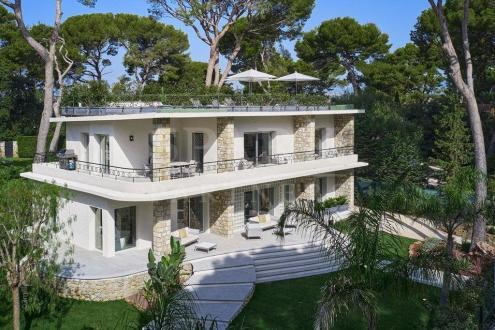 Maison de luxe à louer ANTIBES, 220 m², 5 Chambres,