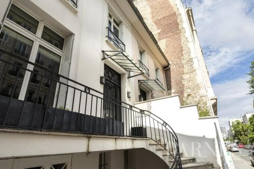 Luxury Town house for sale NEUILLY SUR SEINE, 300 m², €3900000
