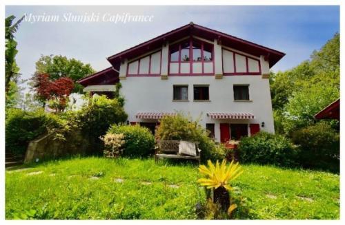 Maison de luxe à vendre SAINT JEAN DE LUZ, 390 m², 8 Chambres, 1059000€