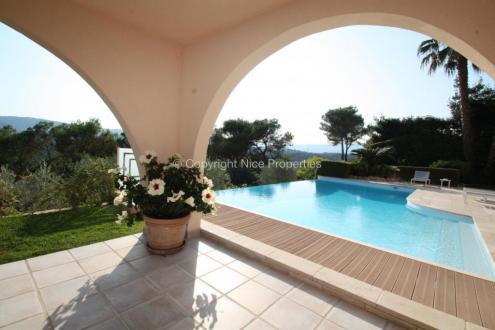 Villa de luxe à vendre CANNES, 250 m², 6 Chambres, 3950000€