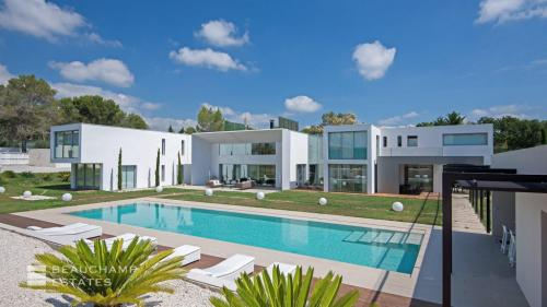 Luxury House for rent MOUGINS, 729 m², 5 Bedrooms,