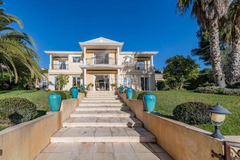 Villa de luxe à vendre MOUGINS, 350 m², 4 Chambres, 2780000€
