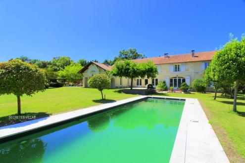 Поместье класса люкс на продажу  Бордо, 500 м², 6 Спальни, 3150000€