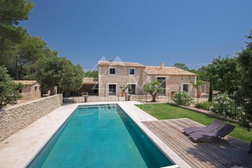Maison de luxe à louer SAINT SATURNIN LES APT, 350 m², 6 Chambres,