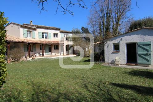 Villa de luxe à vendre VALBONNE, 200 m², 5 Chambres, 1070000€