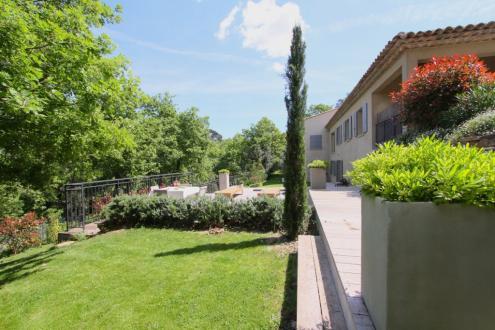 Maison de luxe à vendre LA GARDE FREINET, 250 m², 5 Chambres, 798000€