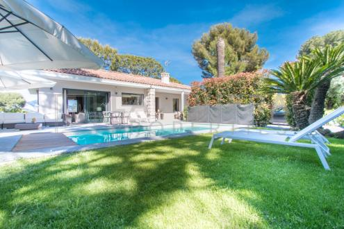 Luxury Villa for sale ROQUEBRUNE CAP MARTIN, 200 m², 4 Bedrooms, €5150000