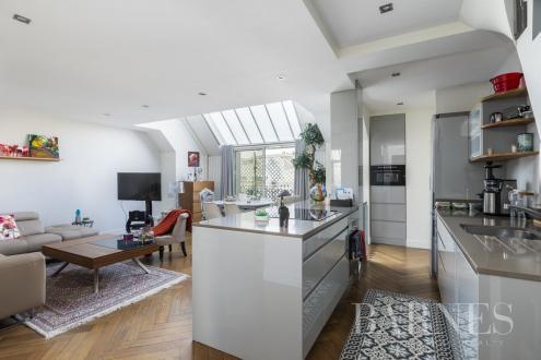 Квартира класса люкс на продажу  Париж 16ый, 76 м², 2 Спальни, 1365000€