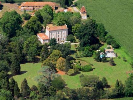 Maison de luxe à vendre MONTAUT, 561 m², 12 Chambres, 1250000€