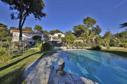 Вилла класса люкс на продажу  Ницца, 300 м², 7 Спальни, 2490000€