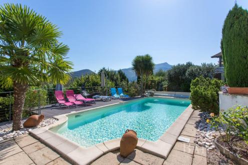 Maison de luxe à vendre ASCAIN, 208 m², 4 Chambres, 895000€