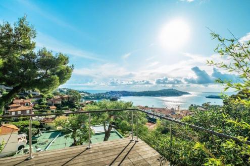 Maison de luxe à vendre VILLEFRANCHE SUR MER, 150 m², 2 Chambres, 2200000€