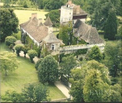 Château / Manoir de luxe à vendre PERIGUEUX, 800 m²