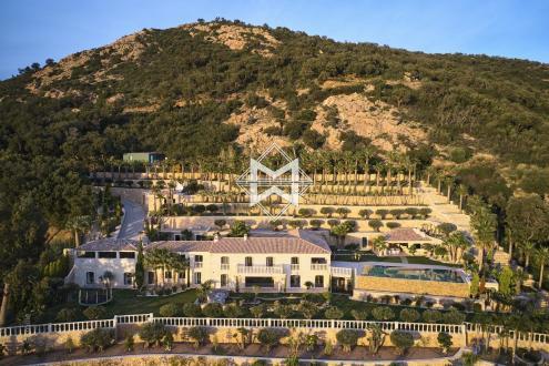 Вилла класса люкс на продажу  Гримо, 750 м², 9 Спальни